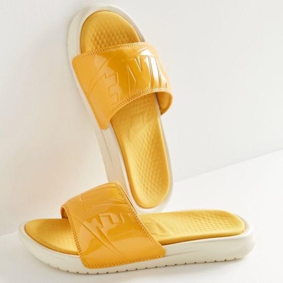 bf7f75dffd0e Nike Benassi Solarsoft JDI Slide • Sz 8